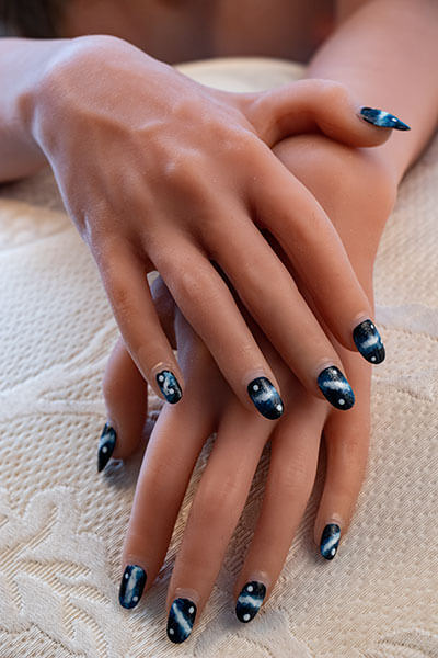 images, nail art sur les ongles de nos poupees
